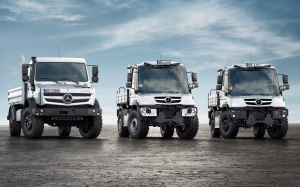 2014-Mercedes-Benz-Unimog-model-range-2